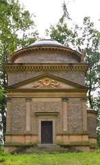 Hrobka rodiny Daubkovy (Liteň, Česko)