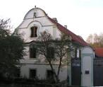 Dům čp. 7 (Saky, Česko)