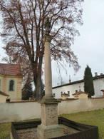 Sloup sv. Jana Nepomuckého (Olešná, Rakovník, Česko)