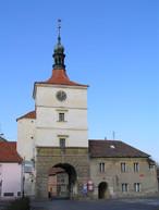 Pražská brána (Velvary, Česko)